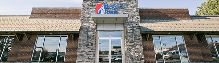 A photo of the front of the Legends Bank branch building located in Brentwood Tennessee